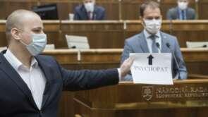 Milan Mazurek podáva trestné oznámenie na členov vlády.